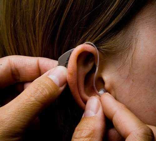 4 lưu ý cần nhớ khi sử dụng máy trợ thính cho người già