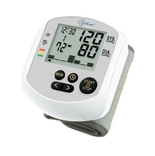 Máy đo huyết áp điện tử cổ tay MediKare-DK39