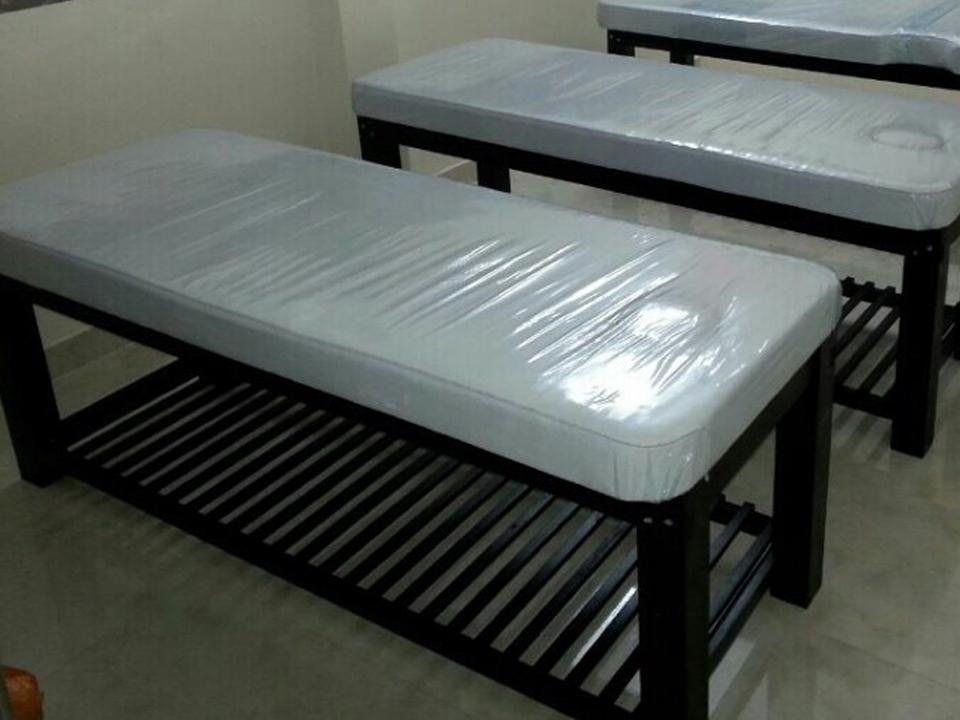 Giường massage chân gỗ đen